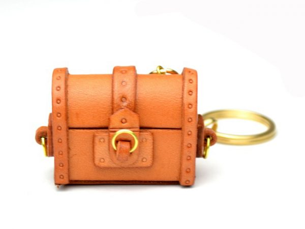 TREASURE CHEST LEATHER KEYCHAIN VANCA