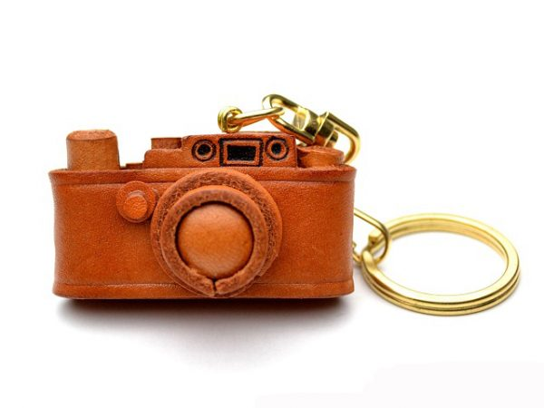LEICA CAMERA LEATHER KEYCHAIN VANCA