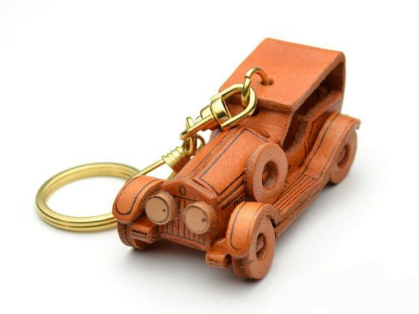 CLASSIC SEDAN LEATHER KEYCHAIN VANCA