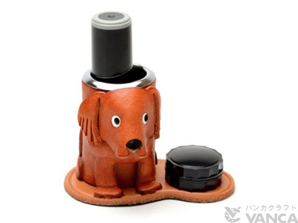 GOLDEN RETRIEVER LEATHER SEAL STAND