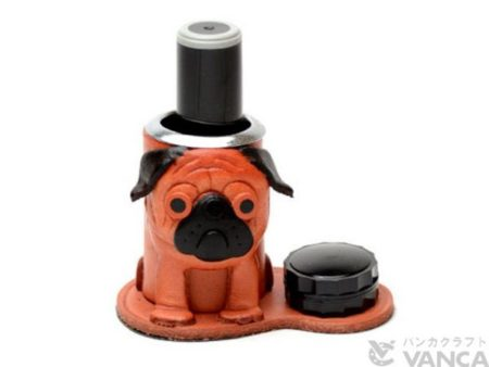 PUG LEATHER SEAL STAND