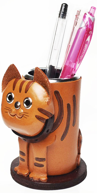 TABBY CAT LEATHER PEN STAND